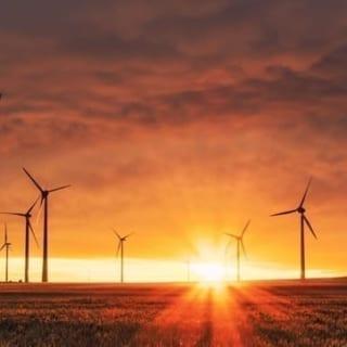 https://www.agro-energy.nl/wp-content/uploads/2021/04/foto-windmolens-527-1-320x320.jpg